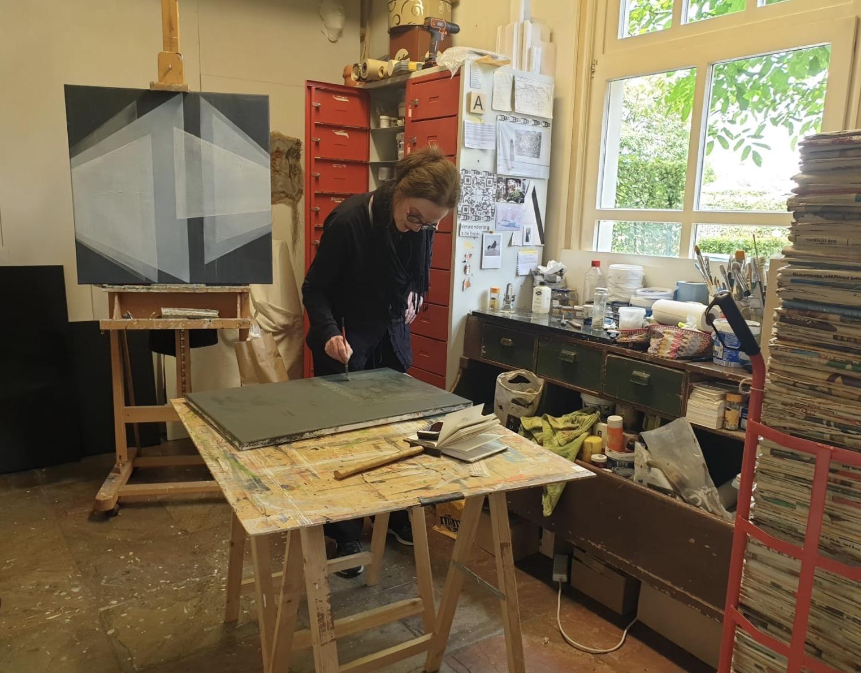 werken in het atelier